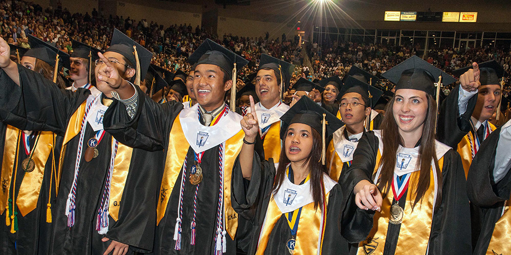 Graduating GISD students