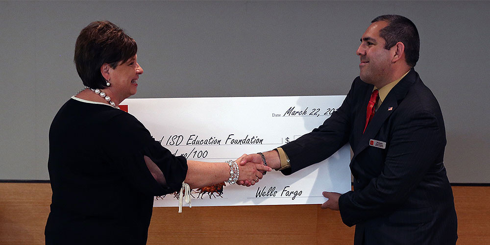 Wells Fargo donates to the Garland ISD Education Foundation
